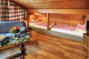 Zwei Einzelbetten - Josenhof Studiozimmer